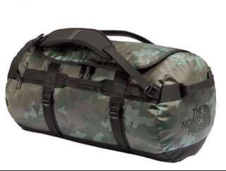 North Face Duffel bag ( M )