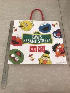Paper Bag Uniqlo Sesame Street - Limited Edition