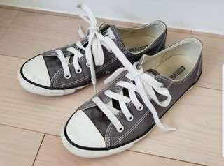 CONVERSE Grey low rise sneakers