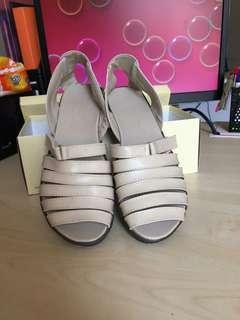 Sepatu Sandal Santai
