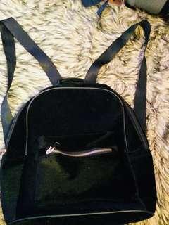 Velvet bagpack