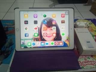 iPad 5 Wifie Only 32gb-Apple A9 Ram 2Gb Single Camera 8MP