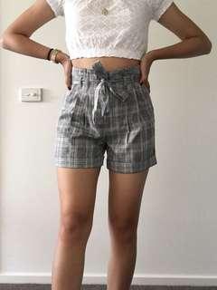 Checkered print paperbag shorts