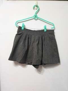 🚚 [售/換] 灰毛料短褲