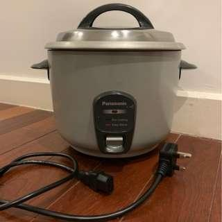 PANASONIC RICE COOKER 1.8L SR-E18A (MINIMALLY USED, GREAT CONDITION)