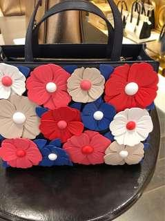 Authentic New Kate Spade Flowers handbag