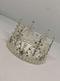 Tiara/ crown