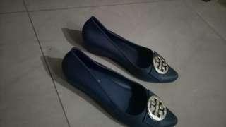 Sepatu jelly tebal