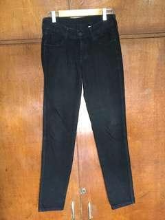 H&M Regular Waist Black Denim Pants / Jeans