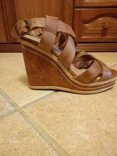 Brown wedges heels