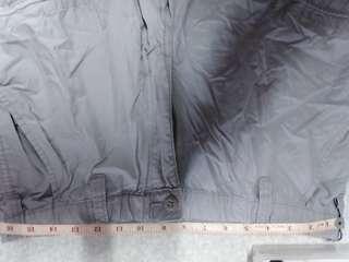 淺灰色 三角骨 短褲