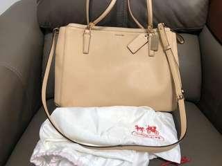 Coach 100% Authentic Shoulder Bag