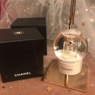 Chanel 飄雪球吊飾