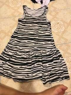 H&M Dress zebra alike 3y-4y
