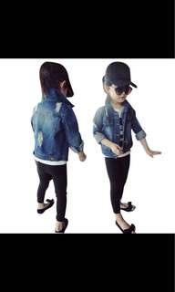 Ripped denim jacket for girl