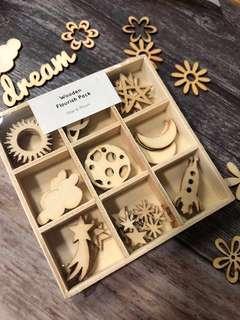 🚚 Kaisercraft Wooden Flourish Pack (Star & Moon)