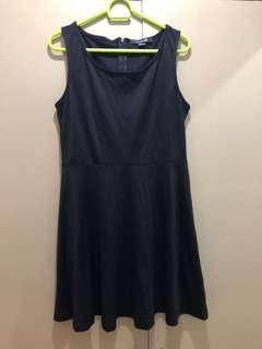 Forever21 black knee-length dress SizeM