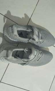 Adidas Instict Sepatu Wanita