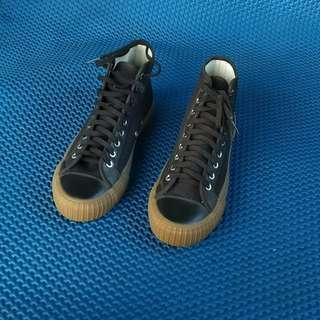 Sepatu Pf flyers center high