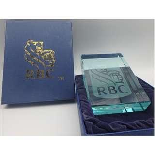 {HK 藏珍舖} 加拿大皇家銀行RBC tm 水晶牌(紙鎮) w/box