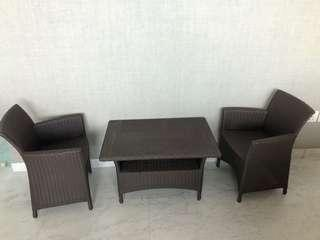 Children's garden table and chairs (2)