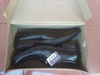 Original SPATOO - Hitam, 43, Sepatu Pantofel Pria, Kulit Sapi Asli