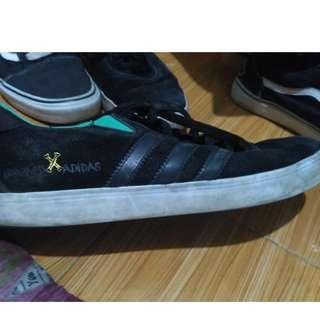 Sepatu Adidas Gonz Pro X Kooker Skater