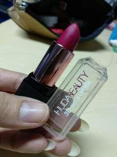 Lipstik huda beauty