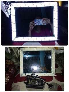 Cermin makeup lampu tinggal colok listrik