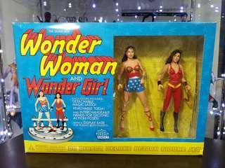 Wonder Woman & Wonder Girl (DC Direct Deluxe Action Figure Set)