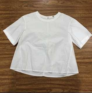 Uniqlo white basic top