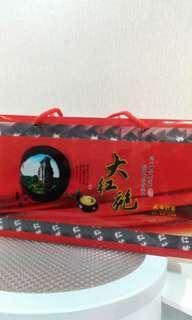 🚚 大紅袍。武夷岩茶。好山好水出好茶x2盒