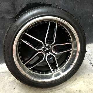 E60 5頭的 265/35/18 輪胎含框