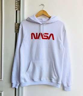 Hoodie NASA dari H&M