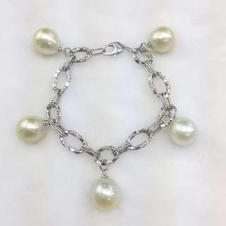 14k white gold chained bracelet with Southsea pearls