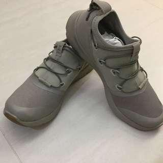 Under armour UA 運動鞋 sneakers
