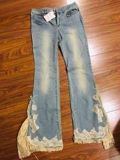 🚚 Xing全新蕾絲復古喇叭牛仔褲