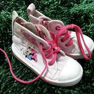 Sepatu Disney 23