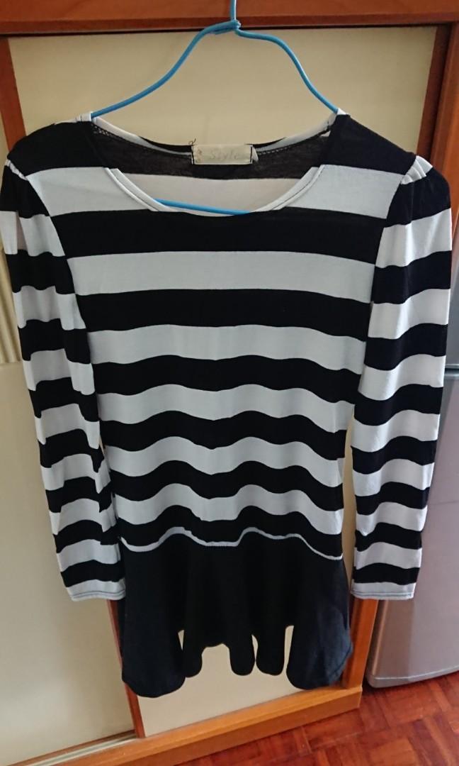 黑白間條連衣裙