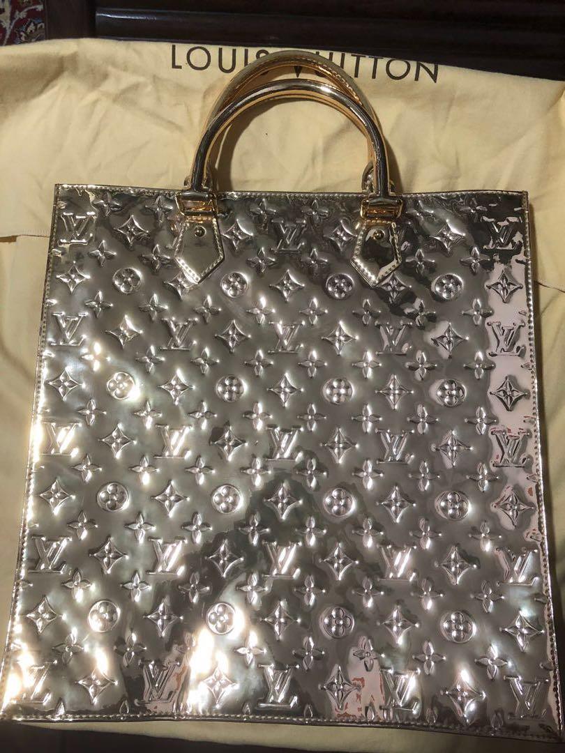 Authentic Louis Vuitton Gold Miroir Monogram Sac Plat Tote 92759096456d6