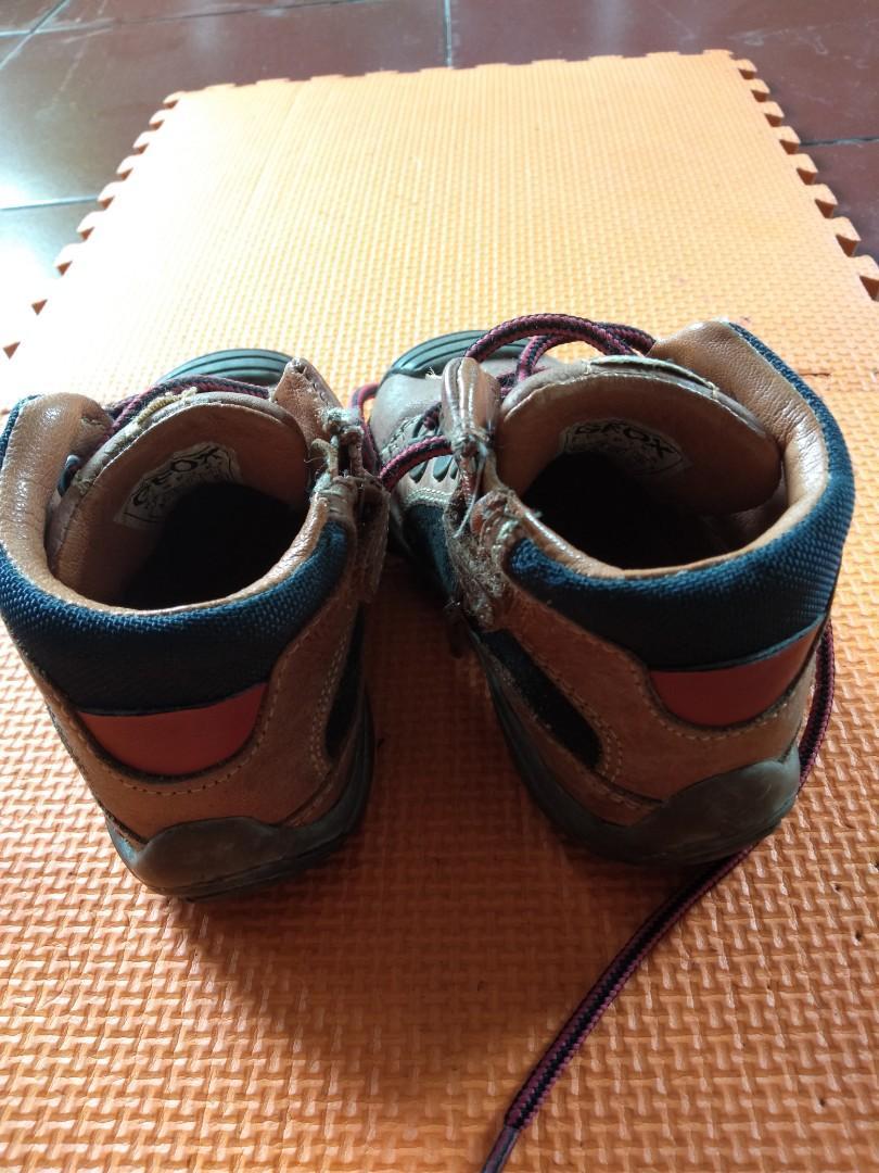Boots sepatu bayi