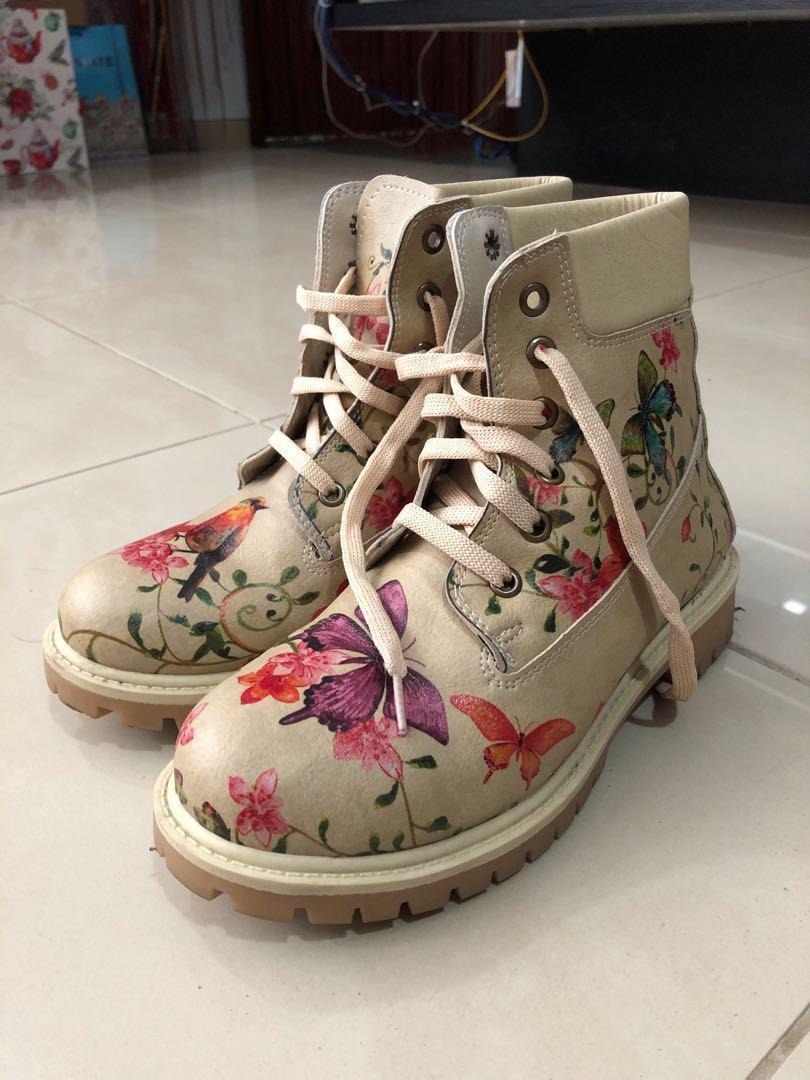 Brown floral boots