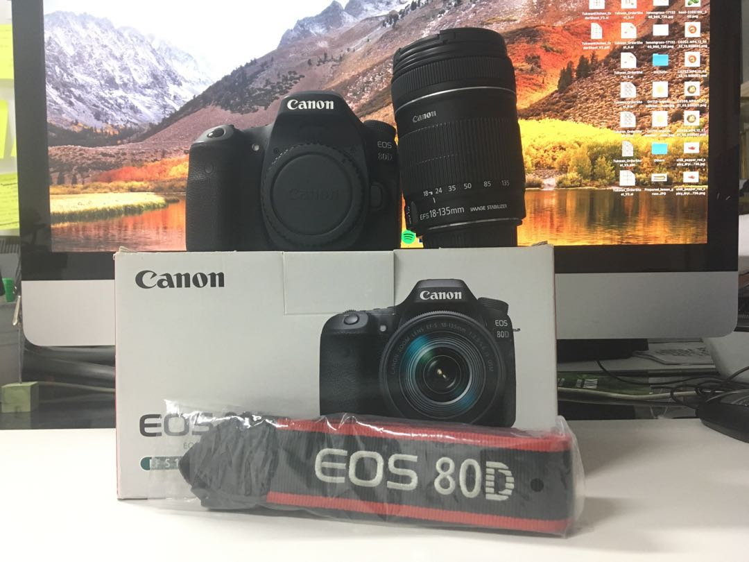 Canon 80D with 18-135mm