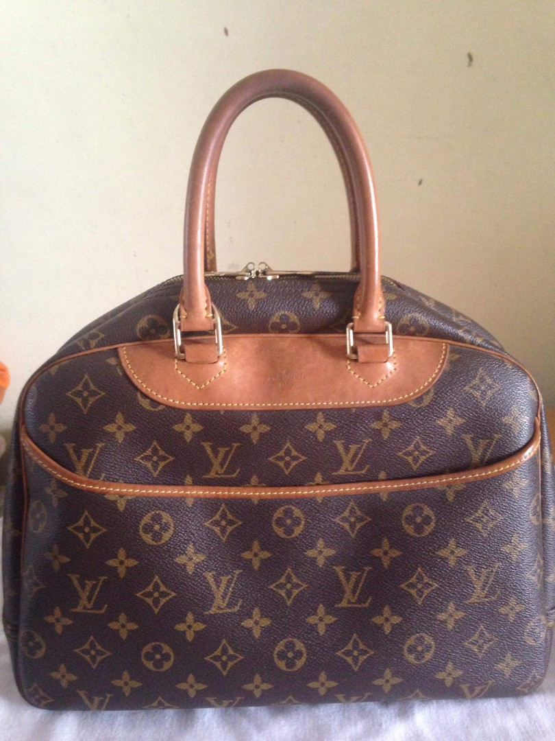 fdde451ded6 Louis Vuitton MONOGRAM DEAUVILLE, Women's Fashion, Bags & Wallets ...