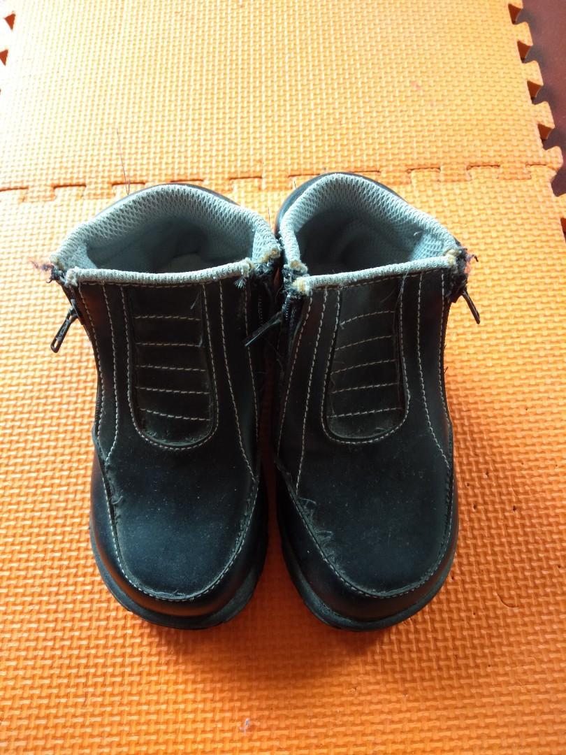 Pantofel sepatu anak laki