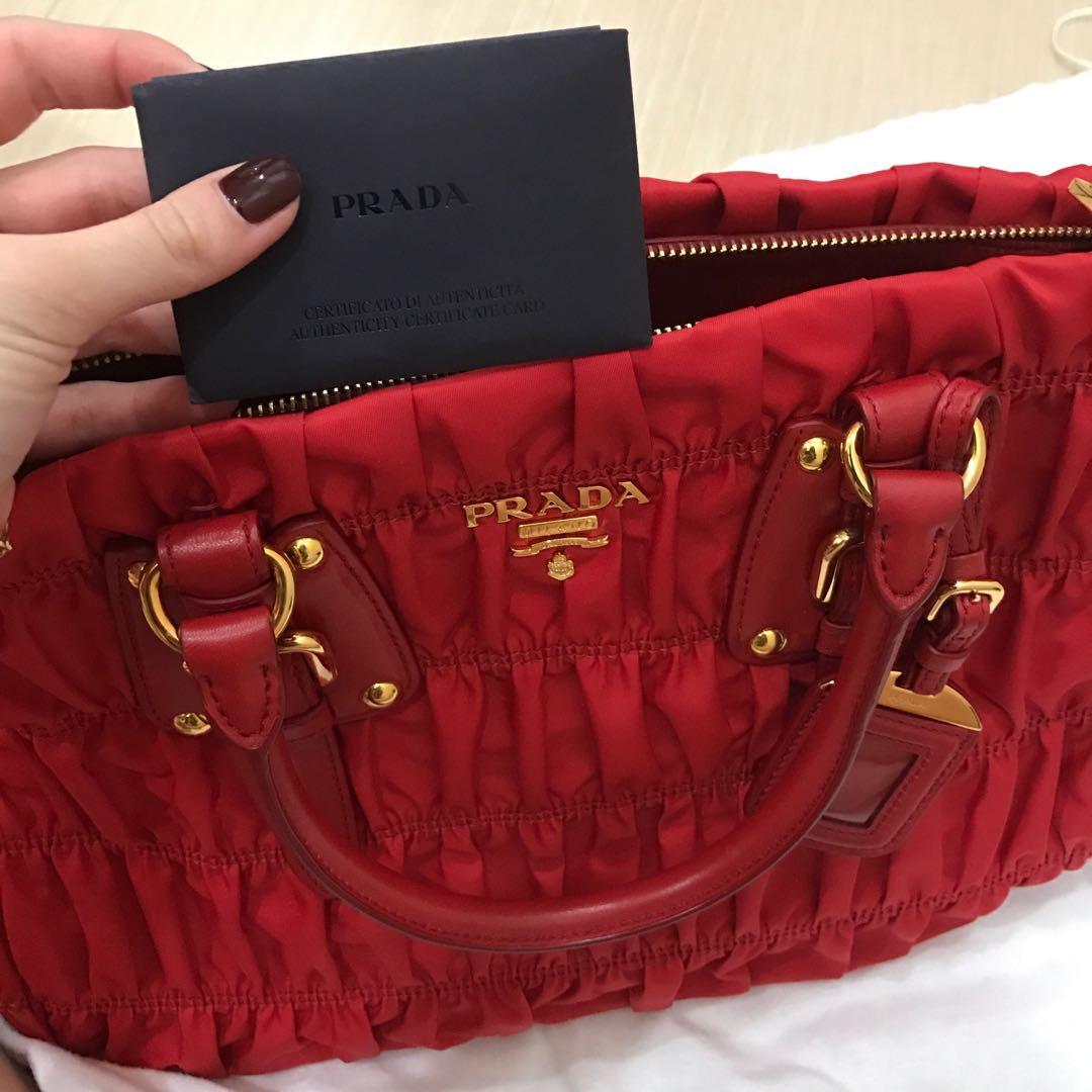ff5fe119e278 Prada Bag, Luxury, Bags & Wallets, Handbags on Carousell