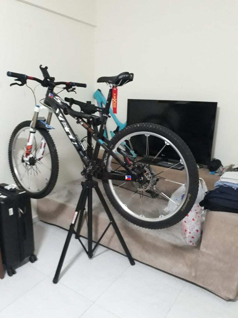 Yeti asr 5c (carbon) slightly used, Bicycles & PMDs