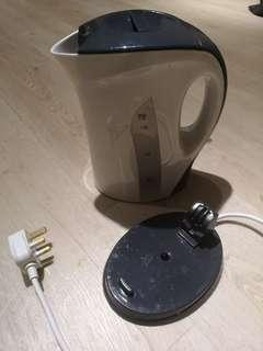 Electronic Kettle 1.7L - Brand: Giant