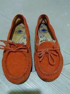 🚚 真皮休閒鞋,尺寸24,8成新,橘色