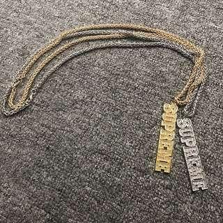 🚚 《實拍》Supreme block logo keychain 項鍊 鑰匙圈 金色 銀色